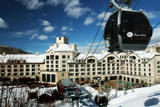 Copy_of_Gondola_to_our_ski_valet-560x375