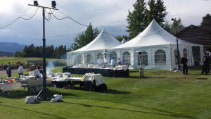Setting up an outdoor dining experience for a conference in Keystone, Colorado. Photo courtesy of Kinsley Meetings.