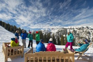Bring a group back together for apres ski. Courtesy Aspen Skiing Company.